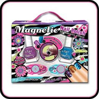 Sada laků na nehty s magnetickým efektem