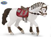 Kůň jezdecký s copánky