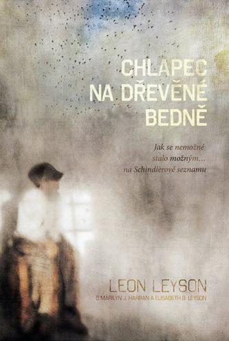 Chlapec na dřevěné bedně - Jak se nemožné stalo možným… na Schindlerově seznamu
