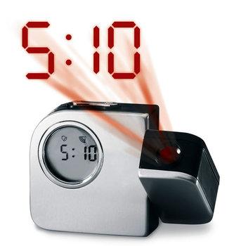 Digitální budík s projekcí času