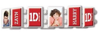 Náramek na gumickách - One Direction/červeno-bílý