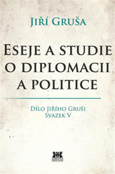 Eseje a studie o diplomacii a politice