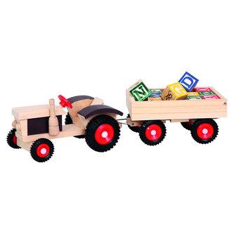 Traktor s gumovými koly a vlekem - neuveden