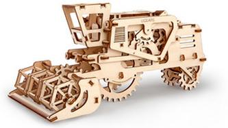 Dřevěný mechanický model Kombajn