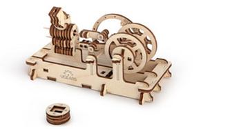 Dřevěný mechanický model Motor