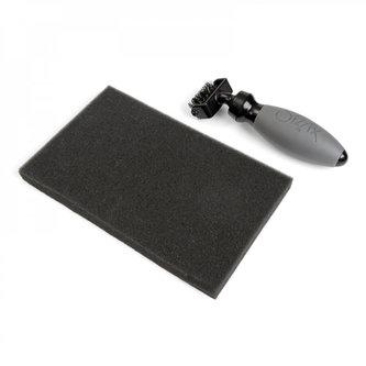 SIZZIX - SIZZIX čistič šablon - kartáč + pěnová podložka