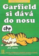 Garfield si dává do nosu