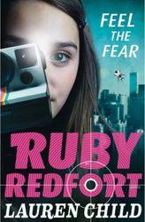 Ruby Redfort - Feel the Fear. Ruby Redfort - Dunkler als die Nacht, englische Ausgabe